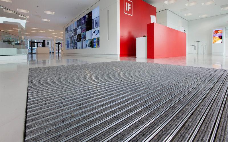 Bevorzugt Eingangsmattensysteme - Professionelle Fußabstreifer - rotec Berlin MV88